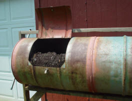 DIY compost tumbler from old oil drum